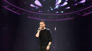 تامر عاشور يتألق في حفل جدة.. والجمهور يتخطى الطاقة الاستيعابية للمسرح