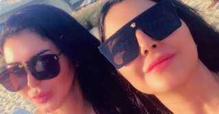 سوار النجار تقضي الإجازة الصيفية برفقة شقيقتها.. شاهد