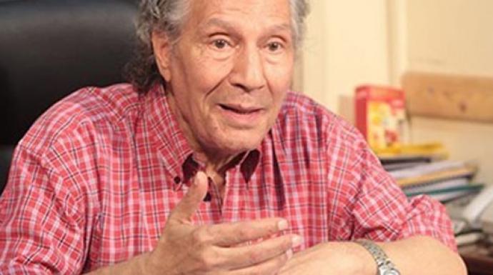 محمود البزاوى ناعيا سناء شافع: أستاذ الأجيال